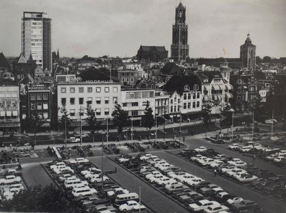 Woning Gerrit Rietveld en later Bertus Mulder aan het Vredenburgplein