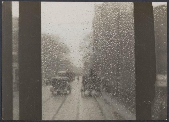 Stillfoto uit Regen (Joris Ivens, 1929), fotograaf onbekend.